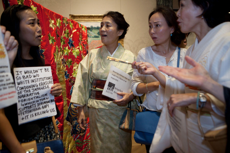 4f04005eb Counter-protesters join kimono fray at MFA - The Boston Globe