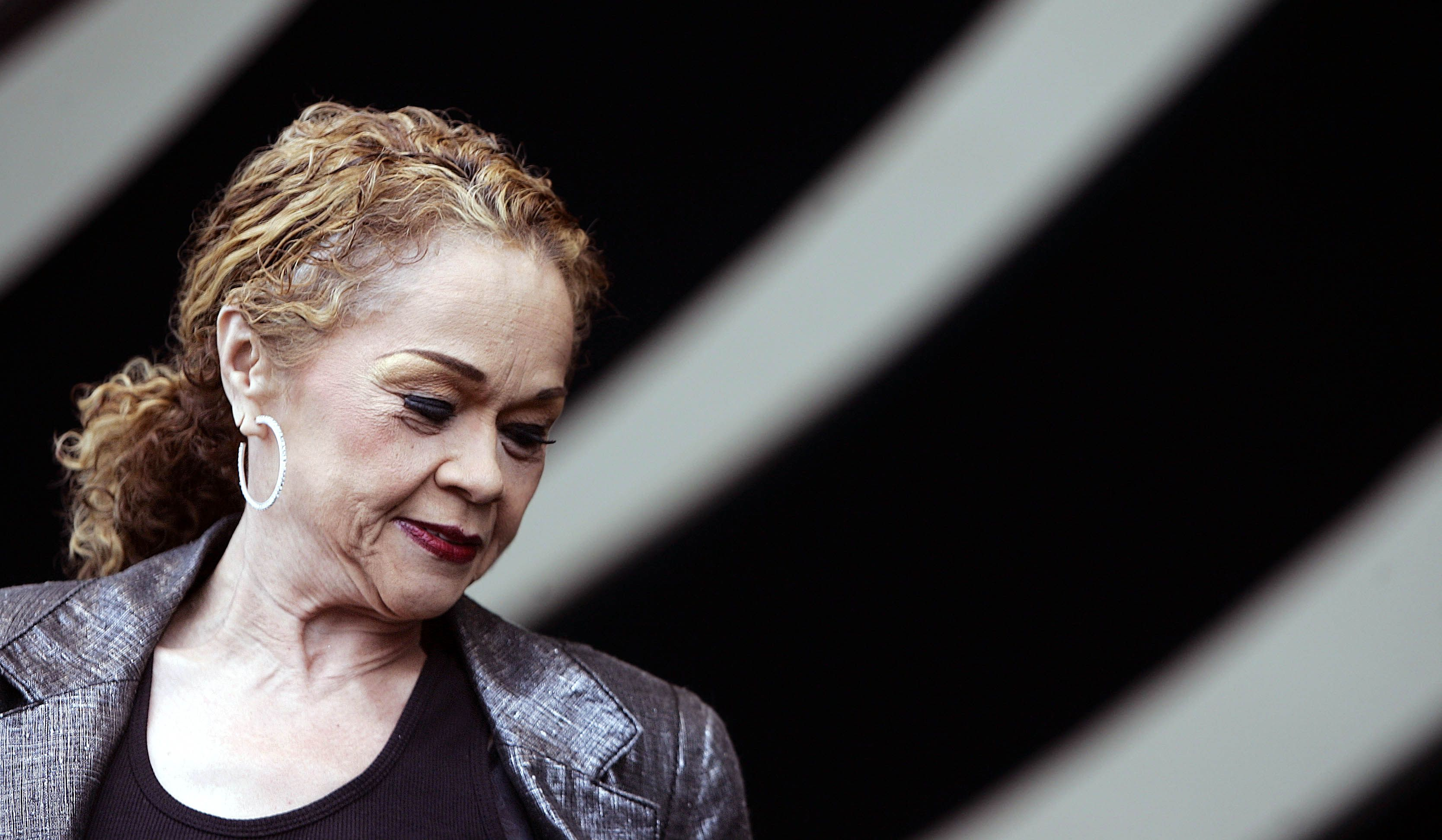 Blues legend Etta James dies at 73 - The Boston Globe