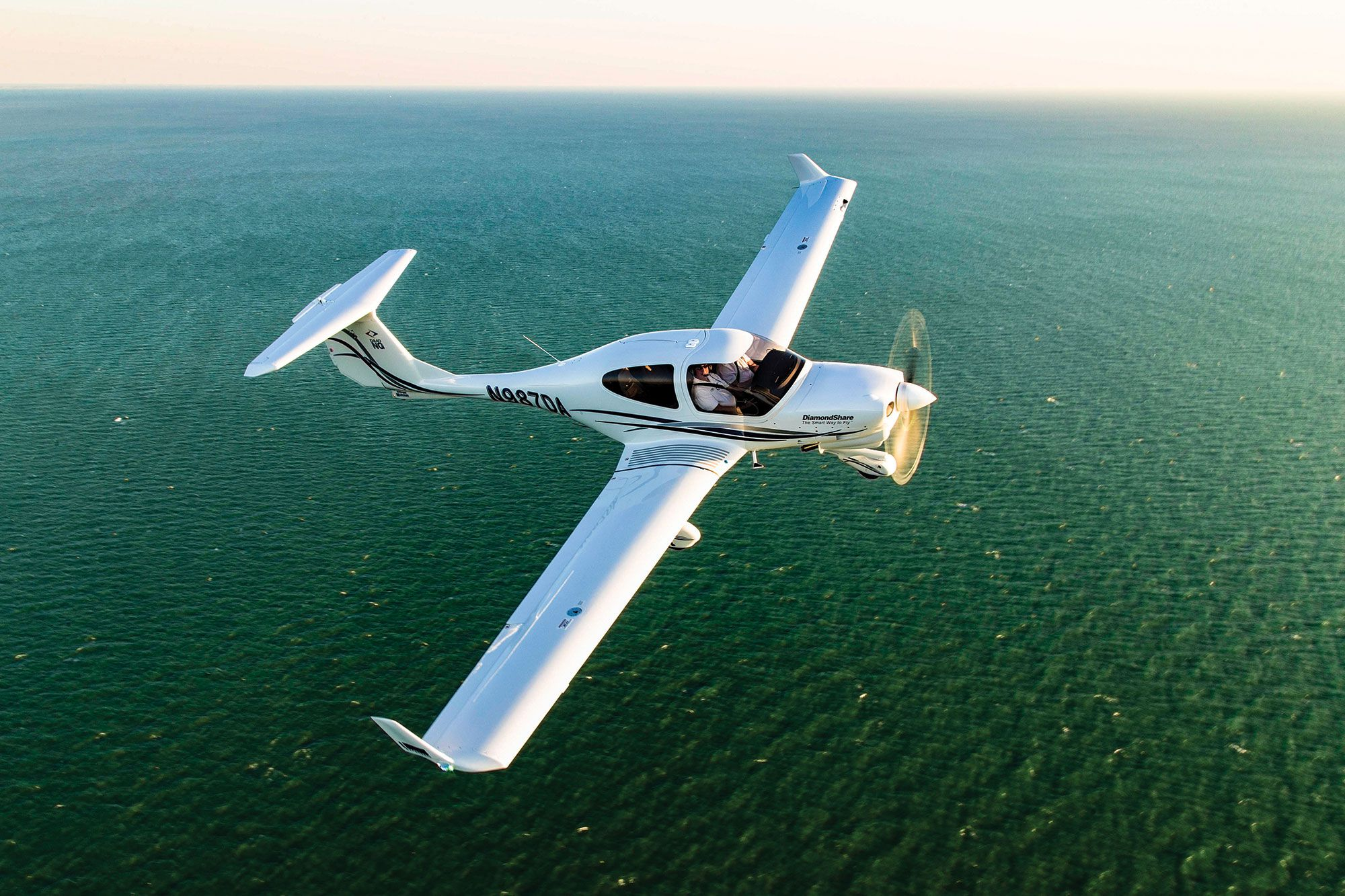 What It's Like to Fly the Diamond DA40 NG | Flying