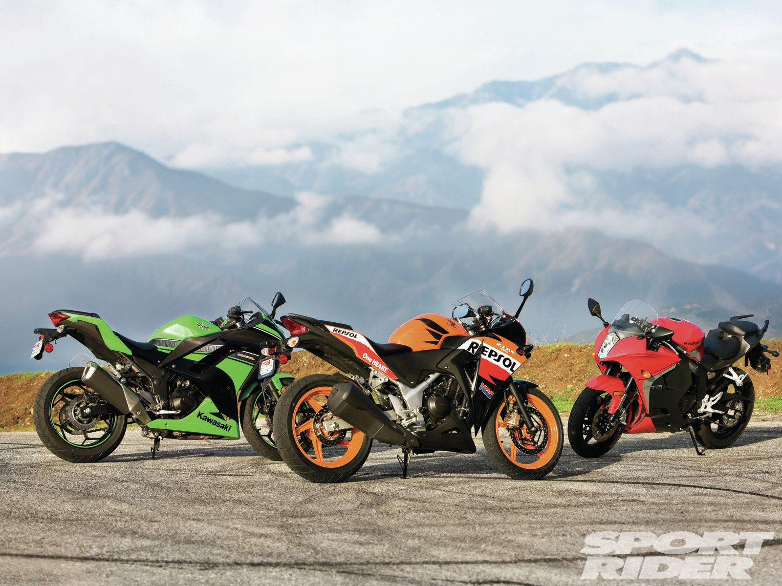 Lightweight Sportbike Comparison Test | Cycle World