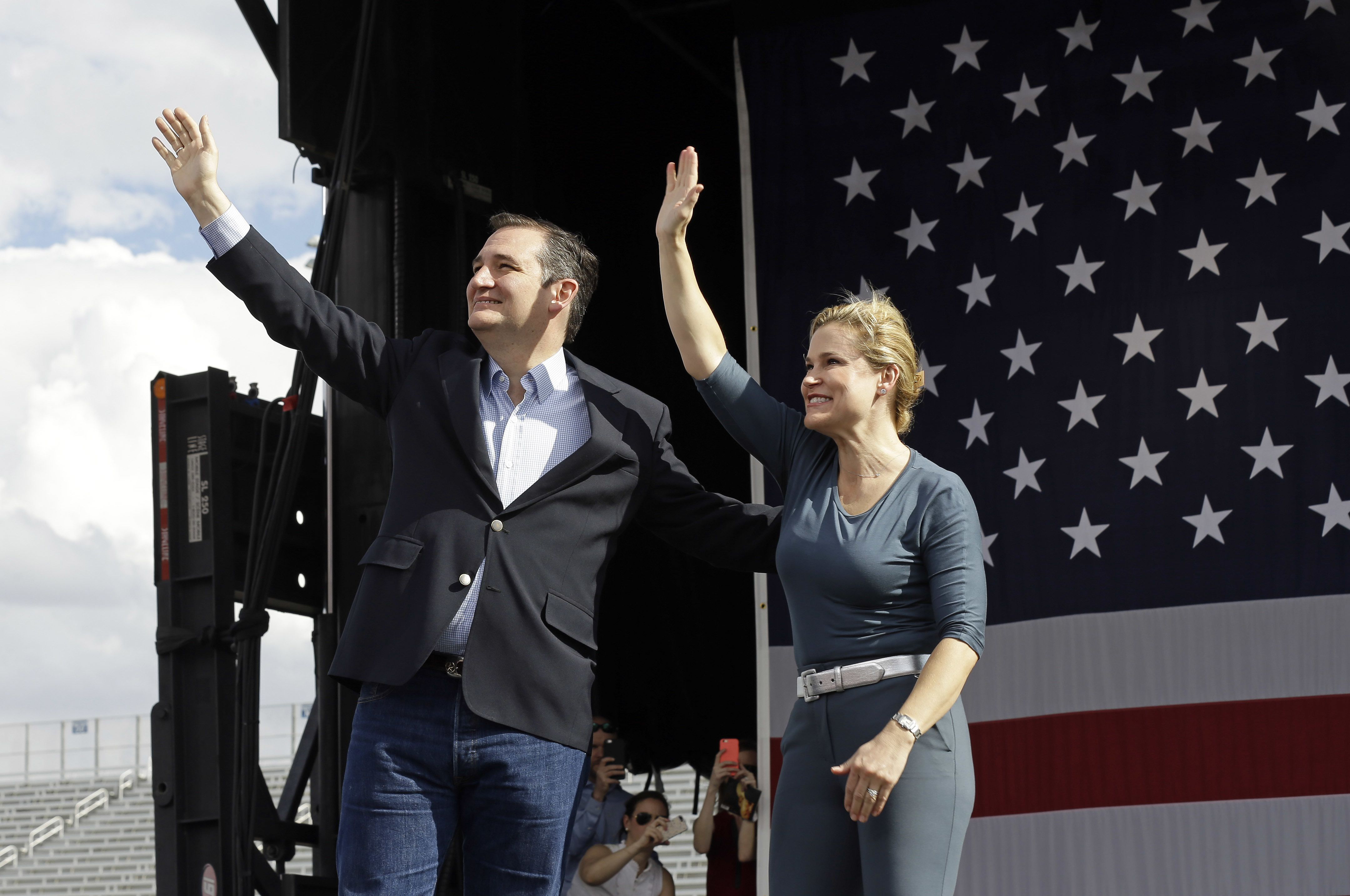 Remember When Trump Insulted Cruz S Wife They Re All Having