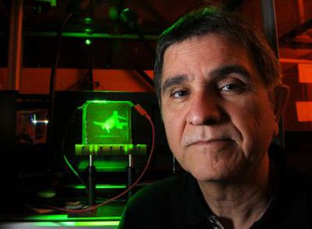 New Holographic Device Can Record and Display 3-D Holograms in Near
