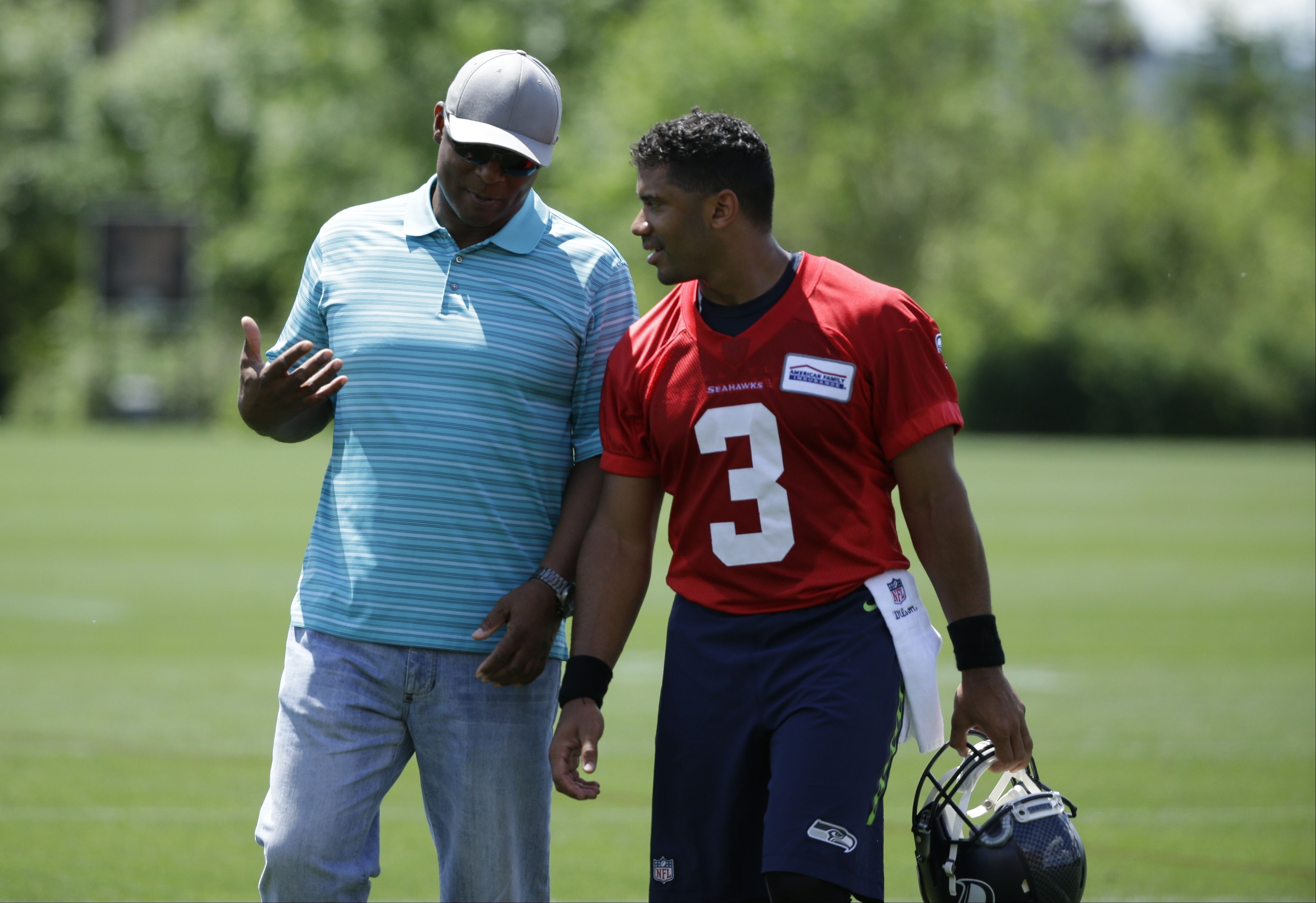 What's it like be an NFL QB at 40? We asked Warren Moon and
