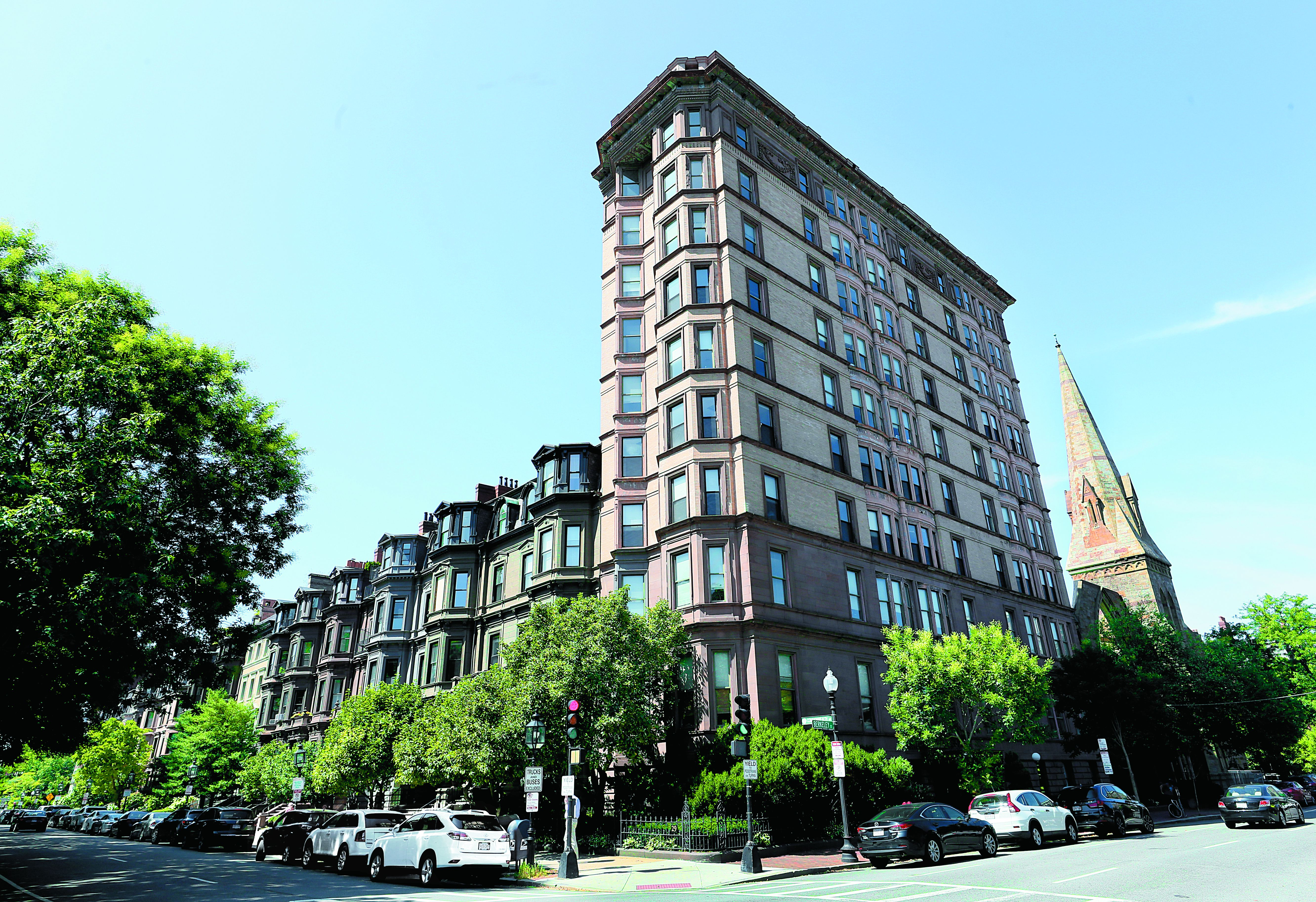 A new take on old Back Bay private clubs in a bid to attract