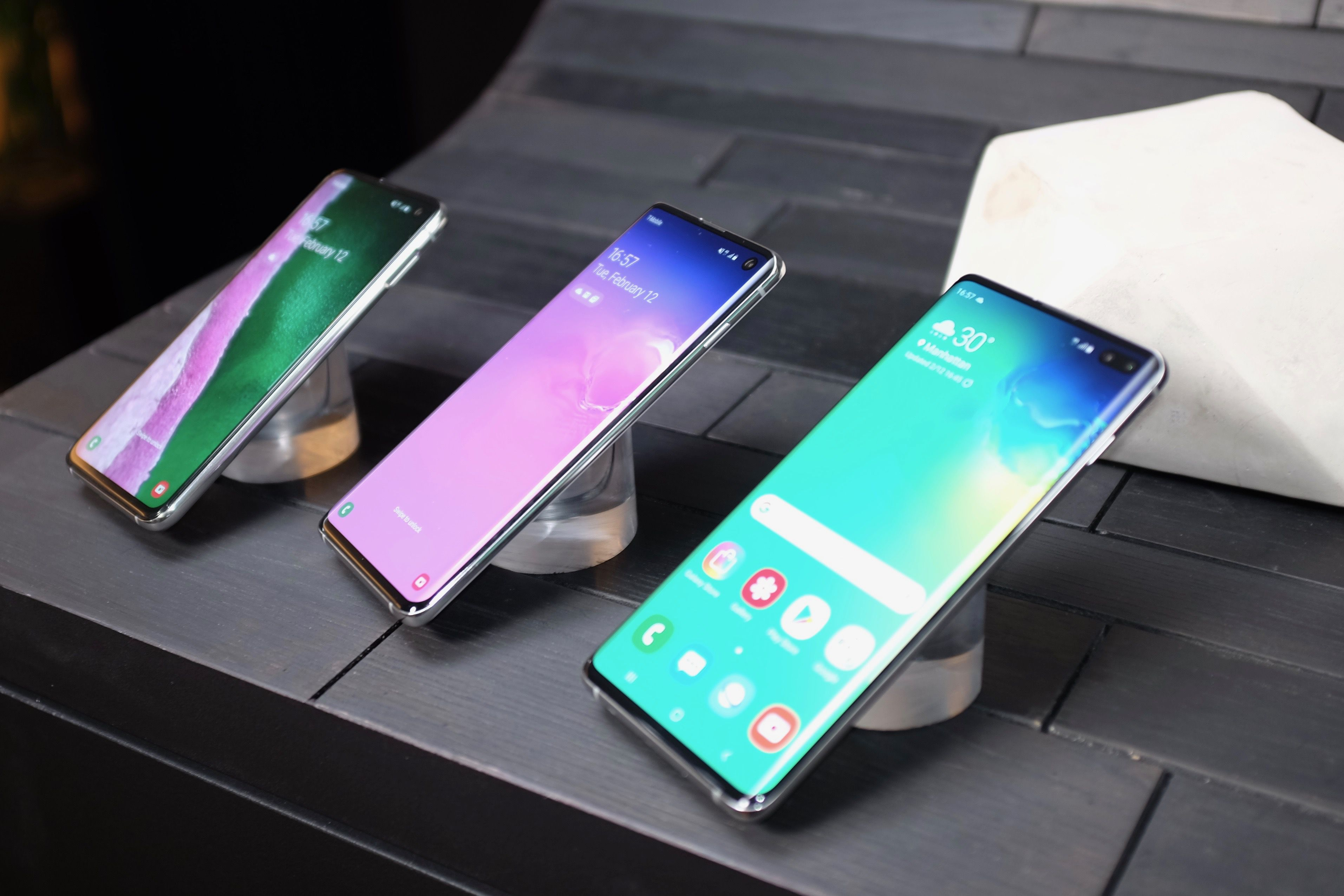 How the Samsung Galaxy S10's cool new fingerprint sensor