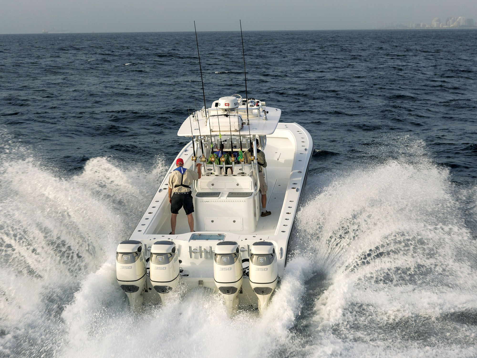 New Outboard Engines Spur the Rise of Single-System Boats | Sport