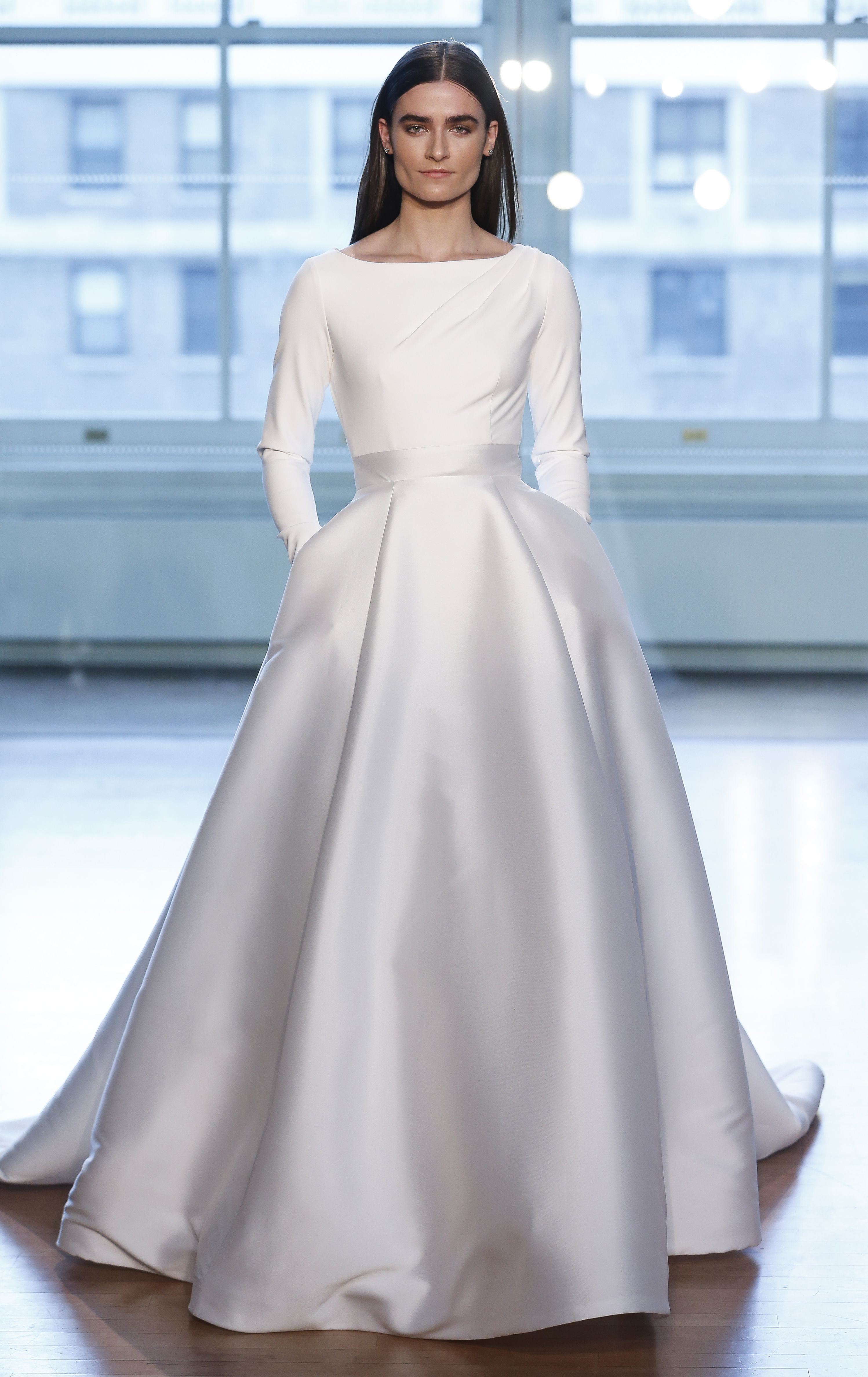 Meghan Markle Wedding Dress Back.6 Fresh Wedding Gown Trends With Sleek Silhouettes Simple Touches