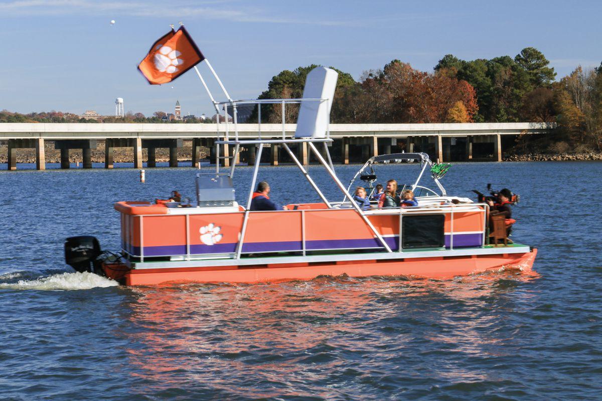Flipping Ships: Restoring Boats | Boating Magazine