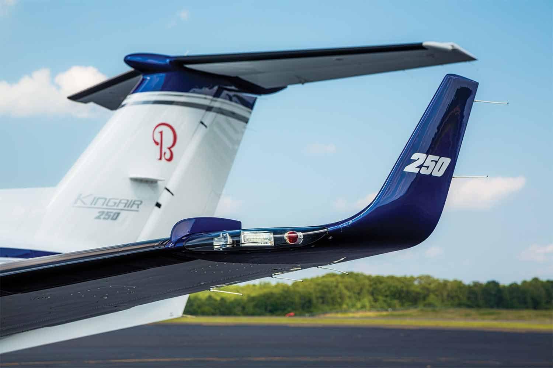 We Fly: Beechcraft King Air 250   Flying