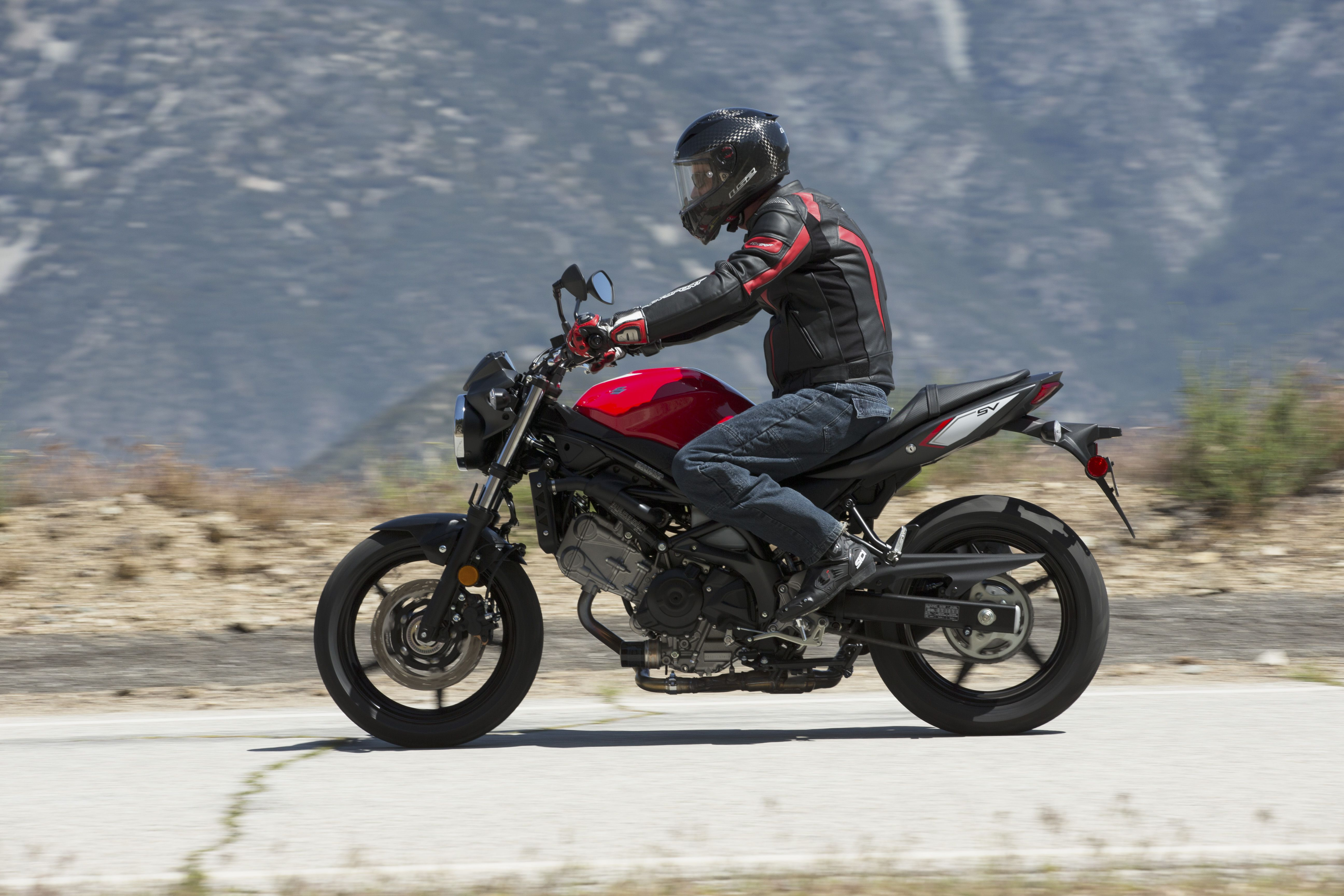 2017 Suzuki SV650 - FIRST RIDE REVIEW | Cycle World