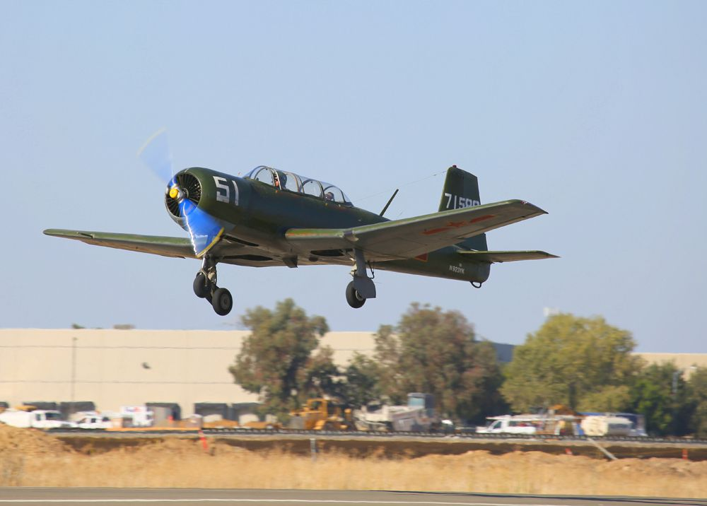 Mustangs and More 2014 at Nut Tree Airport | Flying