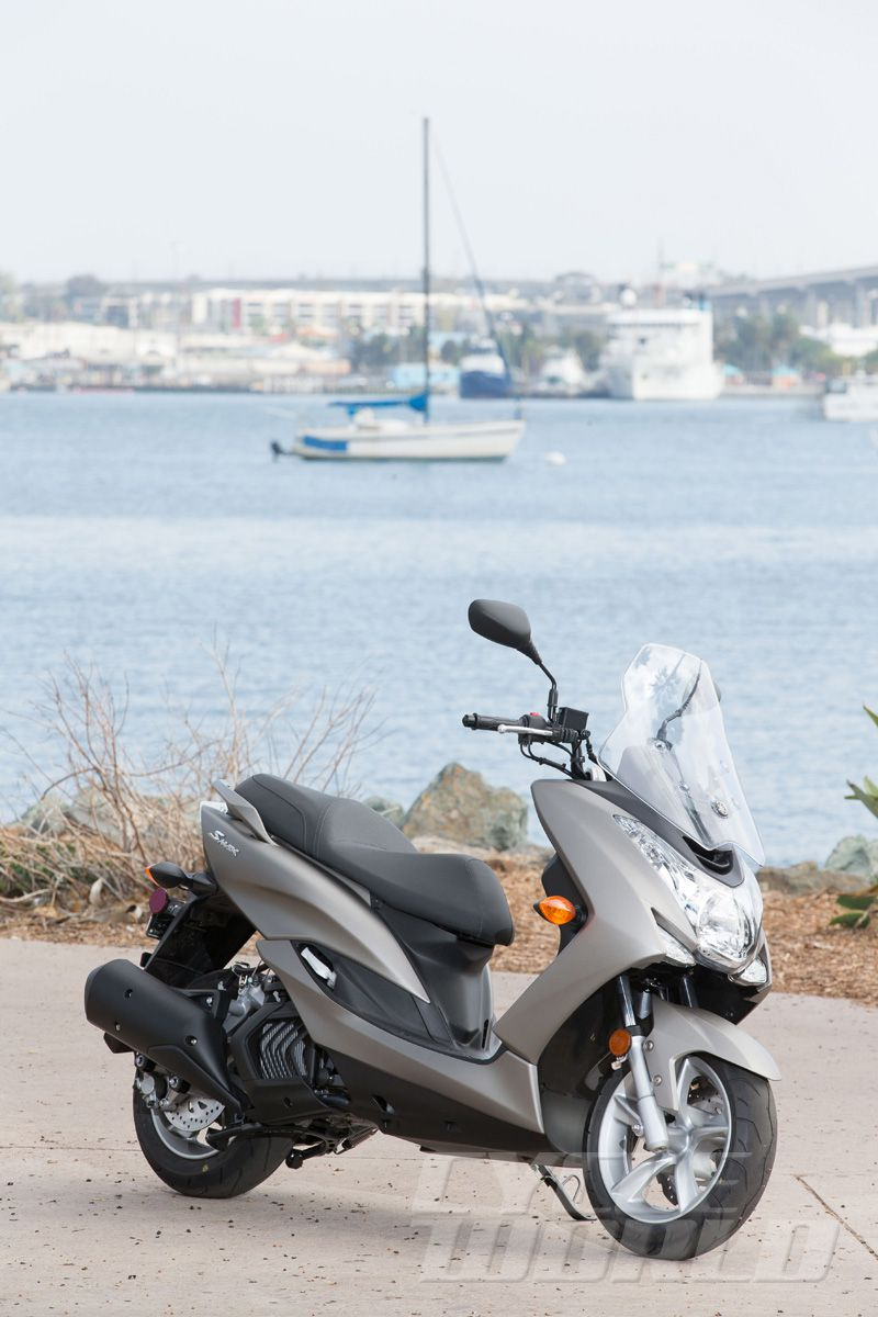 2015 Yamaha SMAX Scooter Review- First Ride Photos- Specifications