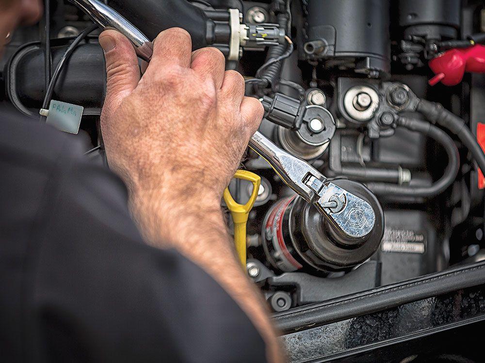 Repairing Your Outboard Boat Motor | Salt Water Sportsman