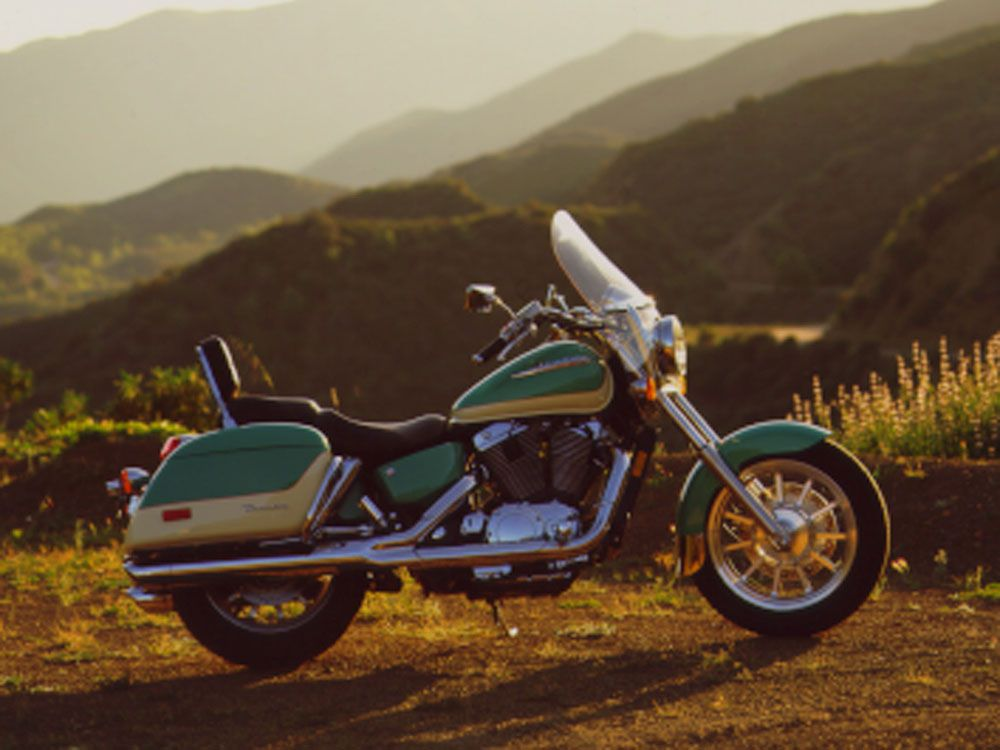 Taking the High Road on a Honda Shadow ACE Tourer | Motorcycle Cruiser